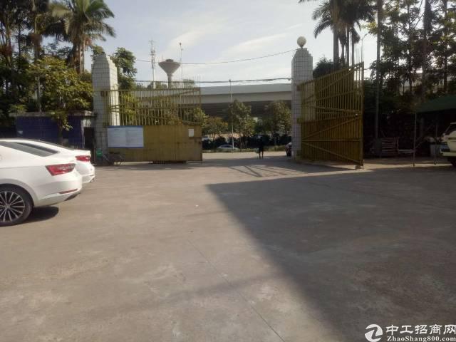 平湖现成装修厂房出租,2500平方带无尘车间