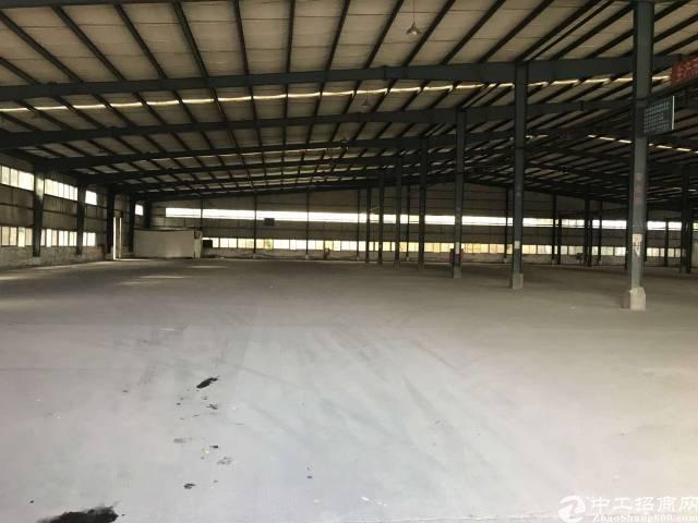 石岩龙大高速出口新出4000平米厂房可做物流仓库空地大
