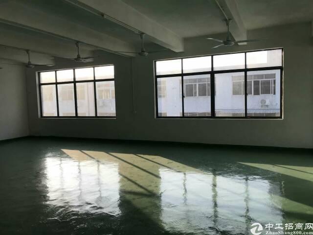 沙井马鞍山地铁口附近新出楼上368平米厂房,水电齐全!