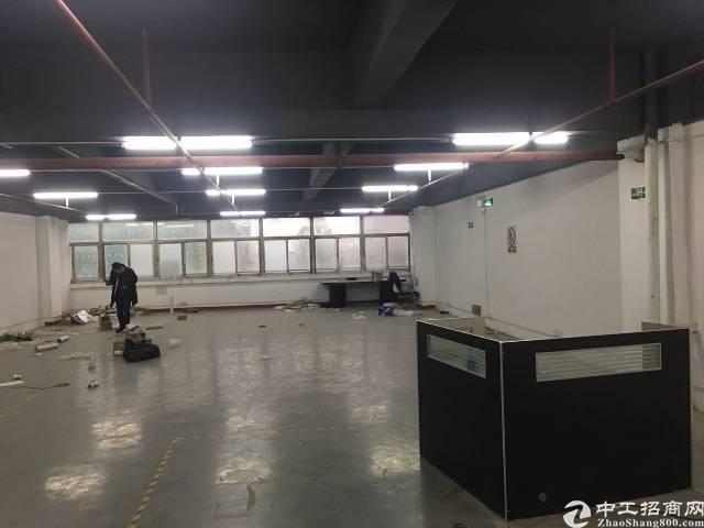 福永白石厦楼上350平带前台办公室装修