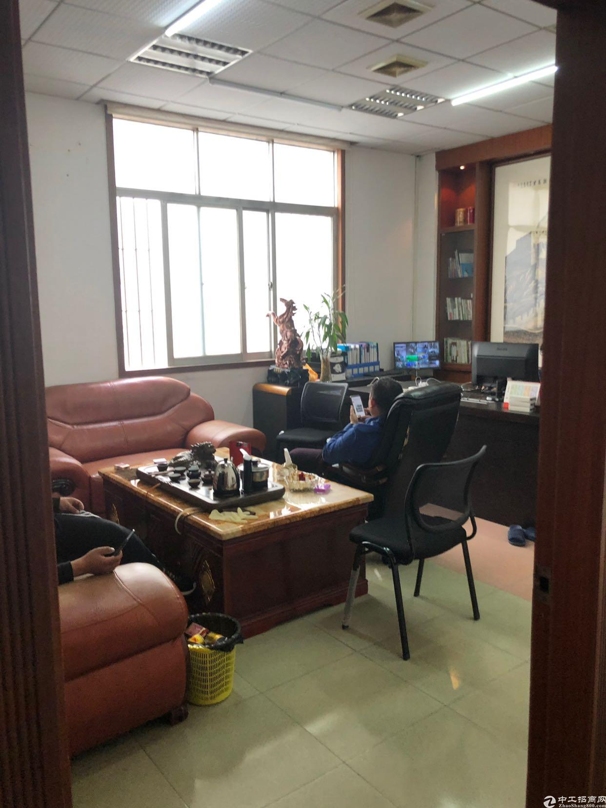 西丽兴东地铁口1600平厂房带装修出租