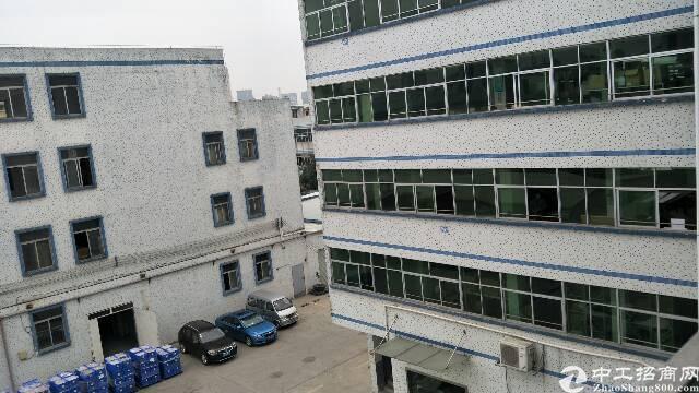平湖杉坑工业区三楼厂房出租360平米,有办公室现成水电