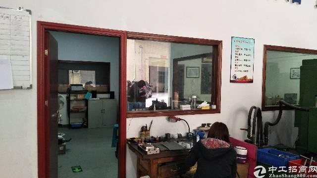 沙井步涌新出楼上精装修厂房出租850平,水电到位