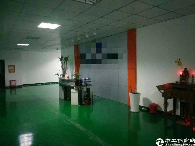 福永塘尾新出楼上整层装修2500平方厂房出租