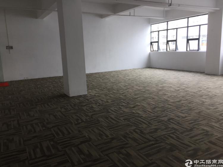 龙华汽车站附近新出精装修200平厂房出租