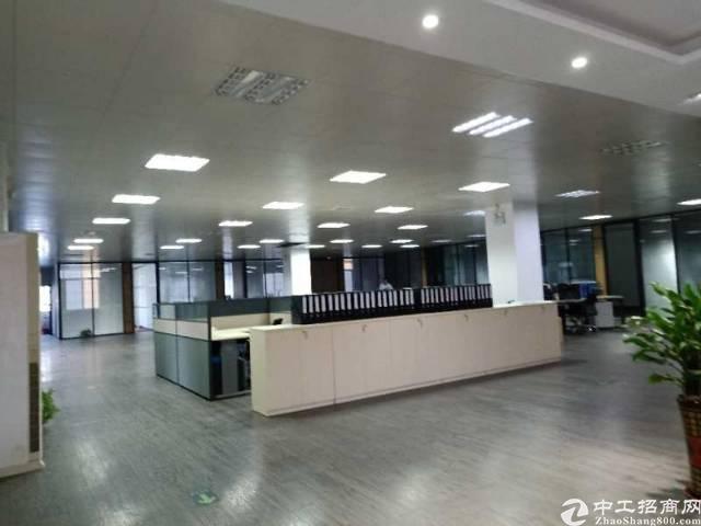 松岗主干道边新出原房东楼上整层3200平方米带豪华装修办公室