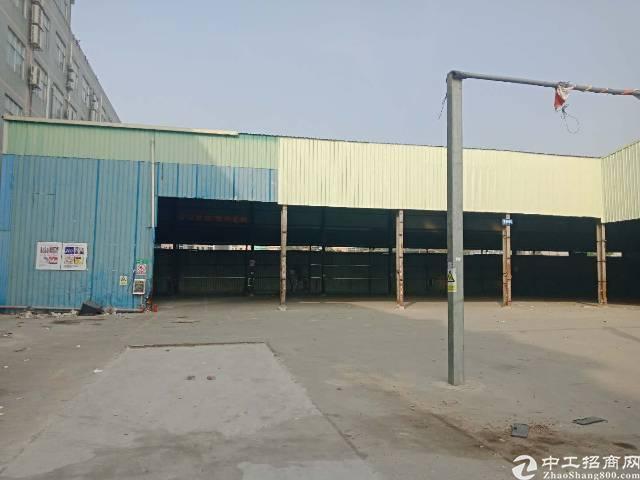 布吉李朗滴水9米高钢构2600平出租