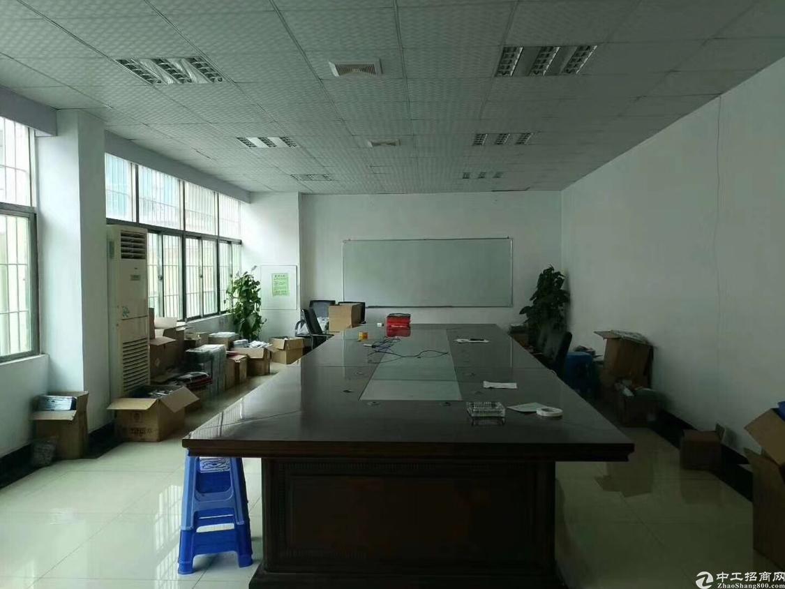 福永地铁口边上楼上新出1200平带精装修厂房