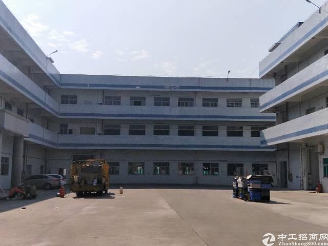 清溪镇一楼2000平方带现成行车厂房出租