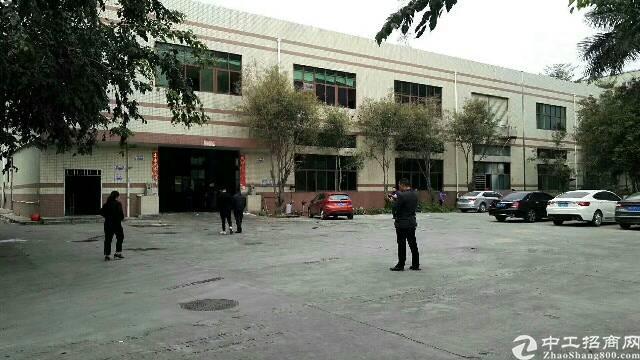龙岗中心城原房东厂房出租一楼1680平米