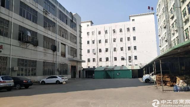 深圳沙井民主工业园区新出一整层1800平方厂房出租