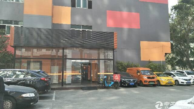 平湖华南城附近一楼厂房出租1000平米,适合生产,展厅等行业