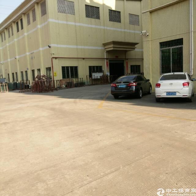 坪地高速路口边楼上2000平带装修办公室厂房出租