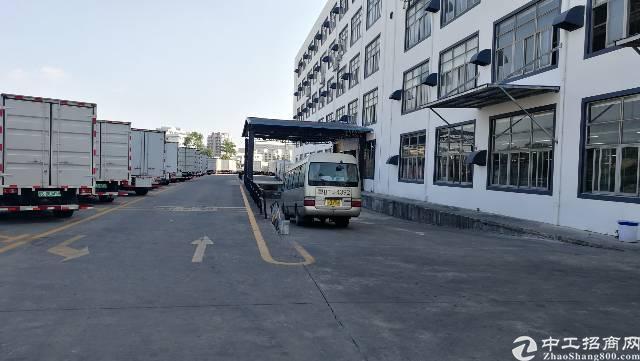 坂田天安云谷附近原房东整层2400平方厂房出租,8成实用!