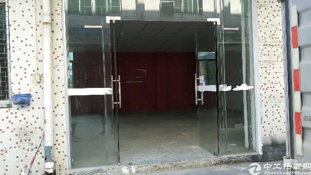 平湖富民工业区一楼仓库出租200平米