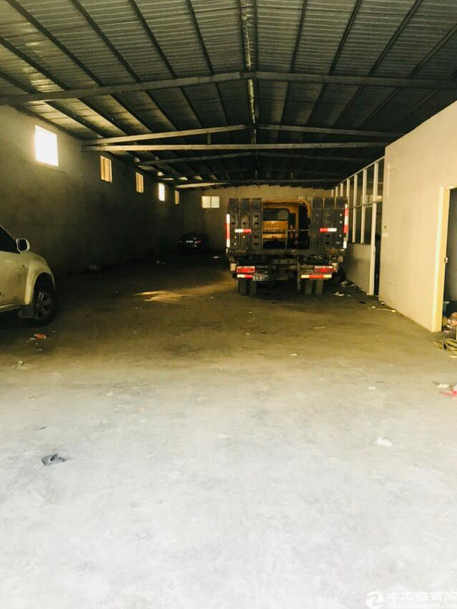 横岗钢构厂房滴水6米超大空地高速路口多条商业一条街低价出租