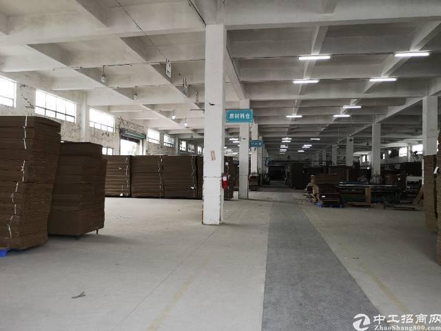 横岗永湖地铁站一楼1600平厂房仓库出租高度7米