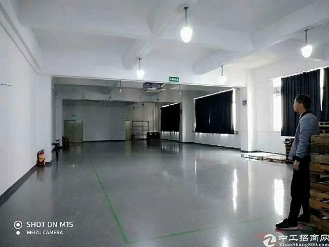 龙华清湖地铁站300米新出原房东带红本有装修1200平米厂房