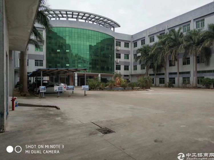 龙岗超靓红本厂房3万5千平米,原房东招租