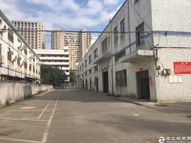 龙华大浪村委厂房出租6800平独门独院已空