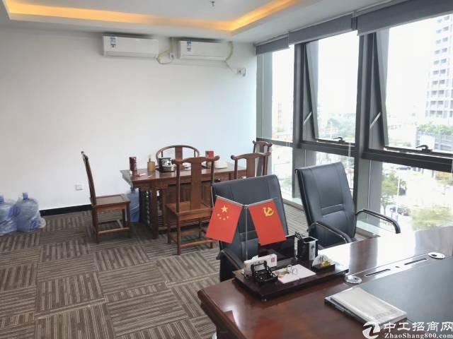 深圳龙华清湖地铁口豪华写字楼出租