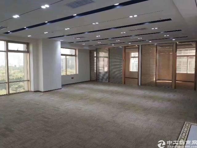 龙岗中心城新出精装修写字楼398㎡出租