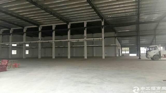 滴水8米钢构厂房占地8200平