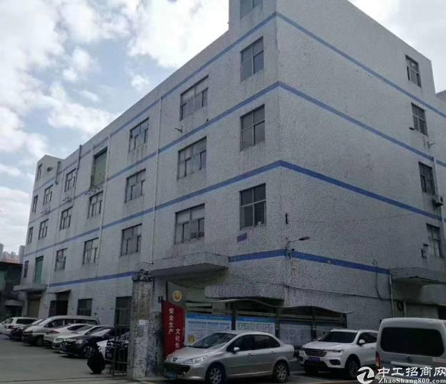 龙华龙胜地铁口新空出独门独院厂房出租6200平