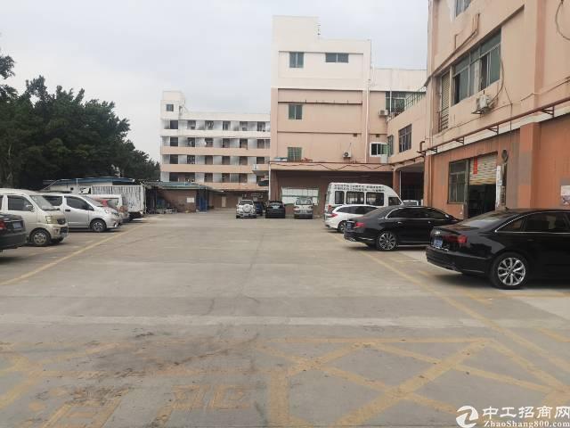 松岗汽车站附近一楼1000平方,现成装修,精装办公室、水电到