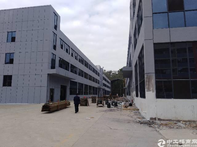 横岗高新园区独栋厂房4700平方米招租