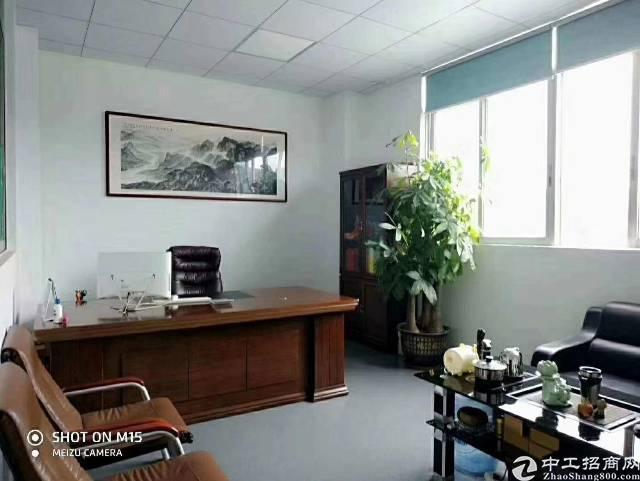 龙华清湖地铁口附近1200平方豪华装修免转让费