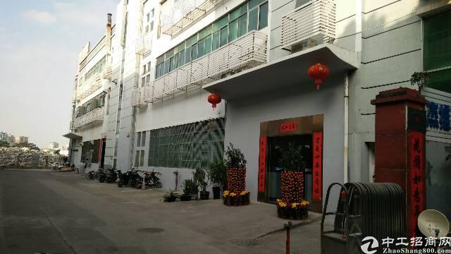 福永桥头地铁口新出楼上2100平带装修厂房