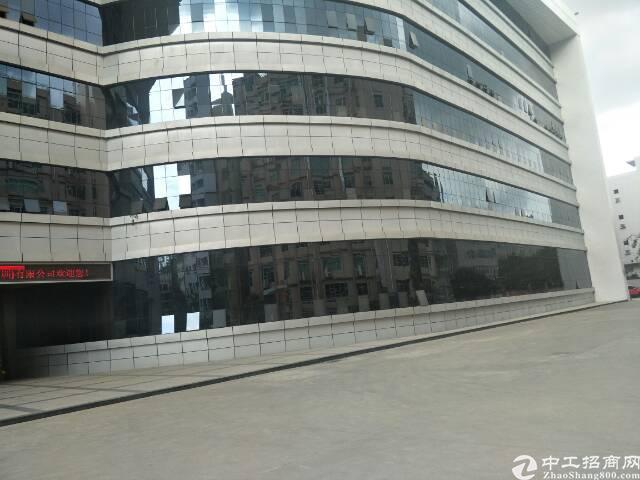 光明红本厂房一楼2600平米出租