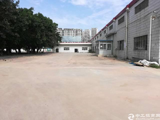 独门独院钢构厂房6800平方,10米高,空地10000平方