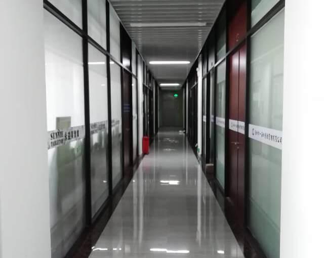 横岗文体广场附近新出60平办公室招租图片2