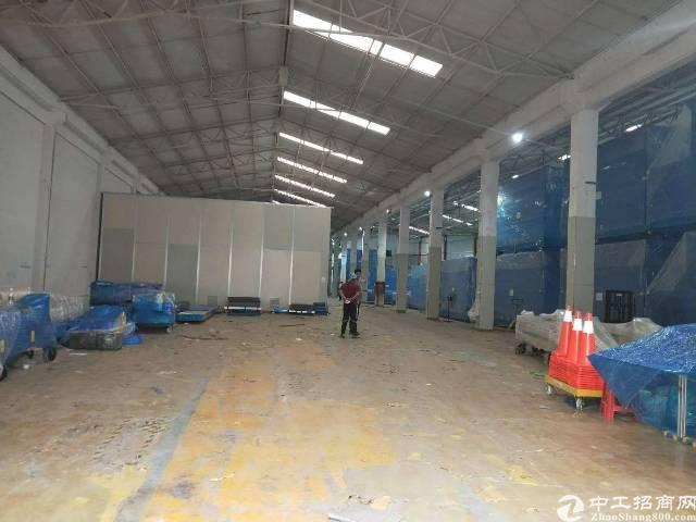 独门独院钢构厂房10米高6900平方,空地10000平方