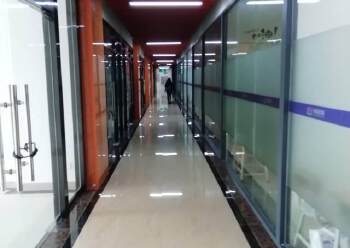 横岗文体广场附近新出60平办公室招租图片3
