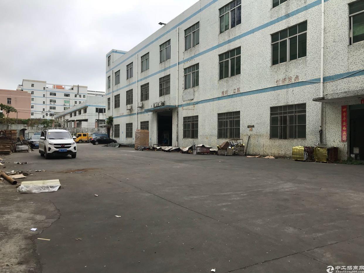 龙岗中心城,独院5200平方出租,可分租可办环评
