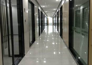 平湖华南城旁10万平米精装写字楼出租100平米起图片1