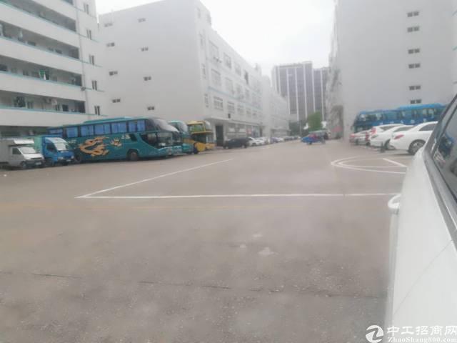 龙华龙观快路旁新出优质厂房2楼1800平带装修