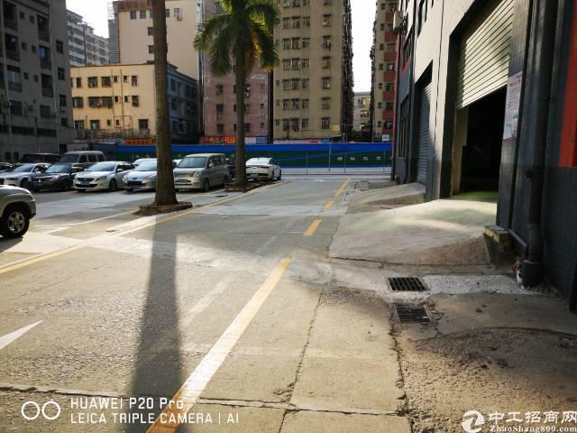 龙华大浪商业中心附近新出标准厂房一楼940平方