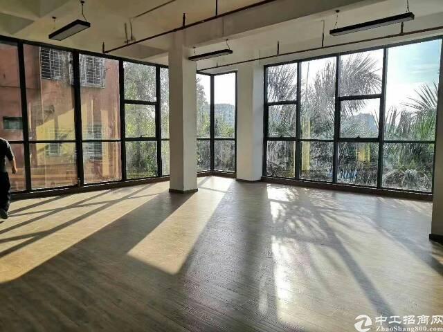 龙华民治布龙路龙胜地铁站附近户型超好的办公室出租,拎包入住,