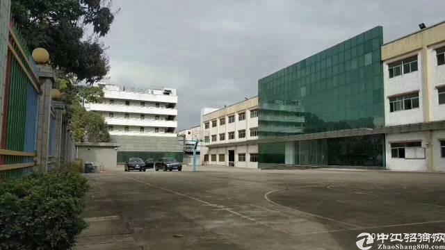 龙岗爱联独院厂房12000平出租。可分租