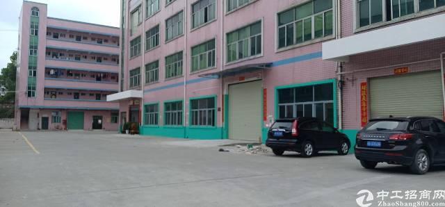 平湖鹅公岭社区附近三楼厂房租