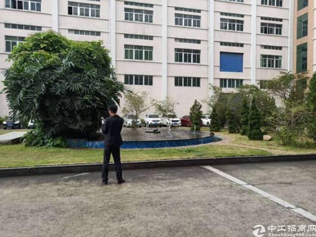 深圳龙岗区独院厂房18500平方大小可分租