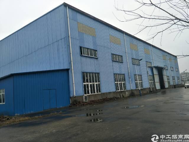 鄂州市汀祖镇3000方钢结构厂房,10吨航吊