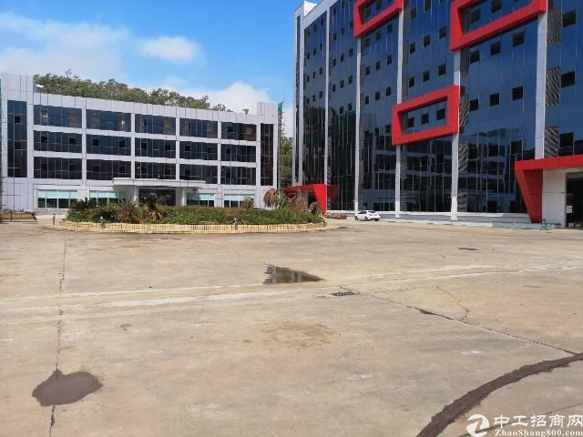 横岗大厦横岗地铁站全新办公展厅出租一楼1500平二楼1500
