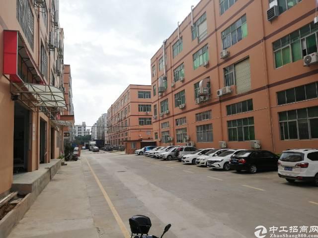 宝安福永和平二楼带装修2500平厂房出租,大小可分