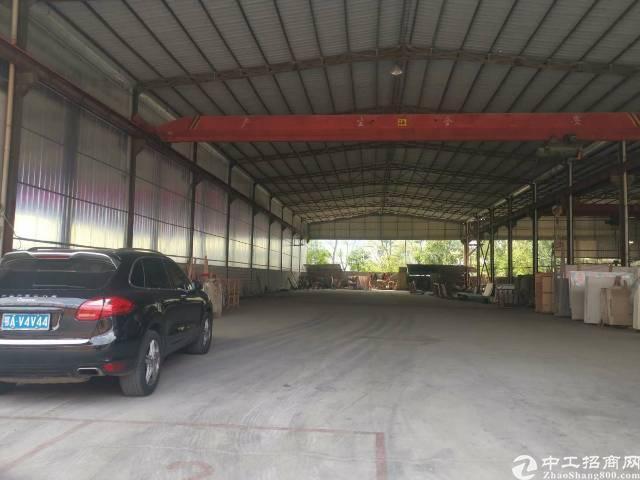 松岗镇钢构,厂房1500平米,带两部行车,一部5吨一部3吨,