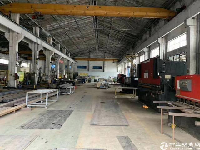 横岗地铁口一公里大型钢构厂房空出2500平层高9米现成航车